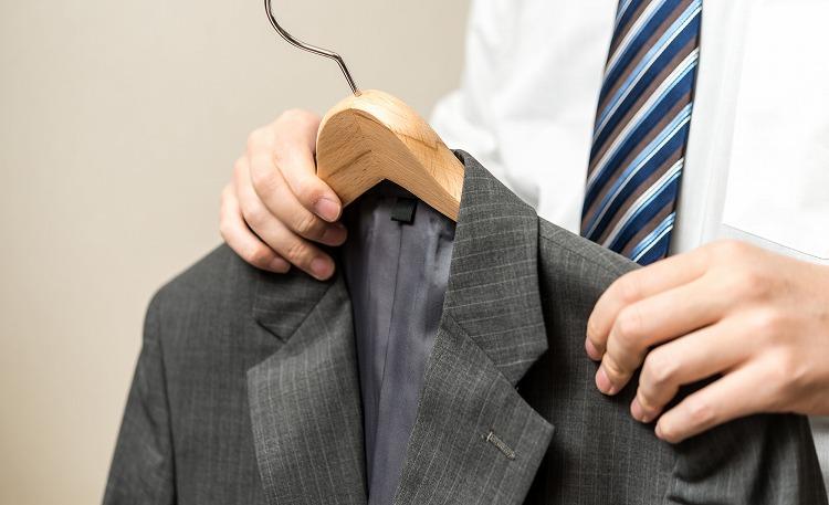 同じスーツを連続して着用しない