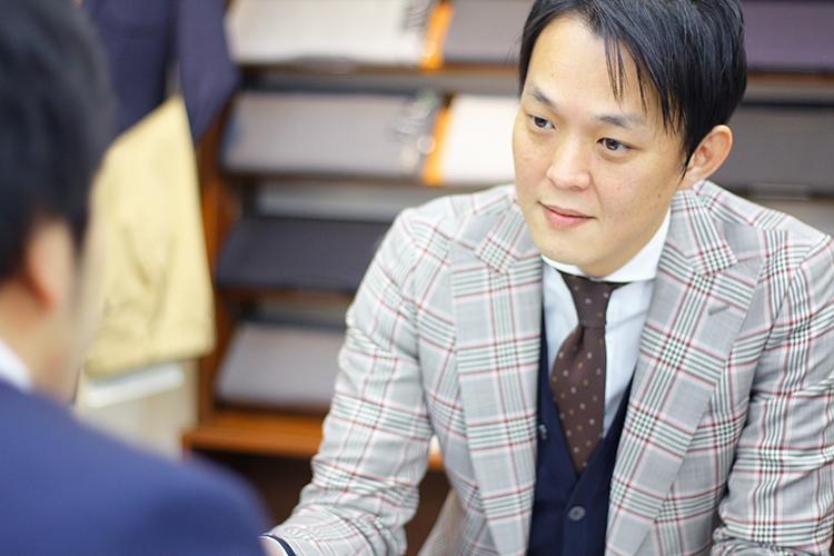 やりがいのある相手を前に、榮岩さんの顔がぐっとプロの表情に